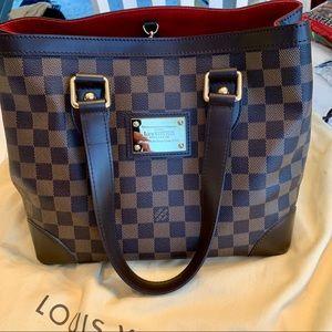 Louis Vuitton bag discontinued.